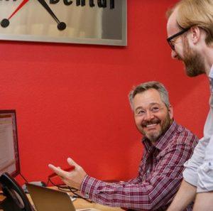 Tim Kelley discusses a modern, best dental website with team